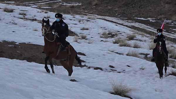 大山深处的年三十 山区民警的新年打开方式都是什么样的?